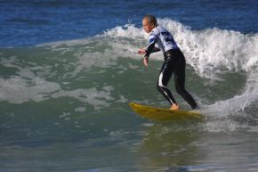 Crystal Hulett (St Francis Bay) (pictured) (Jeffreys Bay) clinched the U13 Girls division of the BloodScan Africa Surf Series at Pipe Beach in Port Elizabeth on Sunday.  Hulett defeated Kai Woolf, Zoe Smith (Jbay) and Ashleigh Vaughn respectively to take the win.