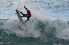 Pro Junior talent, Beyrick de Vries (Umhlanga) throws the tail on his way to nailing down a quarter-final spot on Day 2 of the Billabong Pro Junior Vic Bay.
