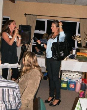 MC and auctioneer, Jo Brown ran a brilliant auction at the St Francis Bay Golf Club. This was a fundraiser for St Francis College