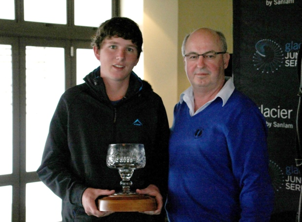 Glacier Junior Series winner Theunis Bezuidenhout with CEO of Glacier by Sanlam, Anton Raath.