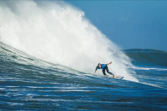 Jordy Smith in action in France