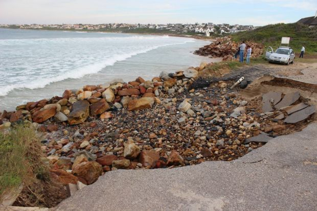 beach erosion at Anne Ave 002