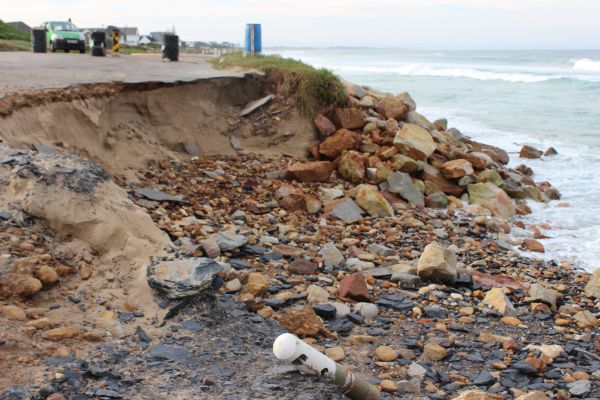 beach erosion at Anne Ave 005