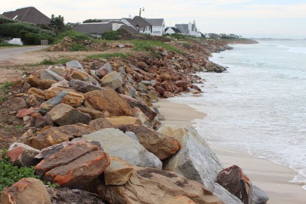 beach erosion at Anne Ave 007