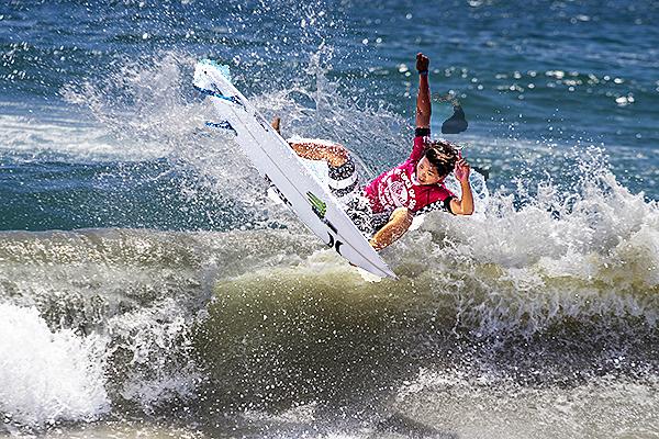 Hiroto Ohhara (JPN)has won Mens QS10,000 at the  2015 Vans US Open of Surfing.